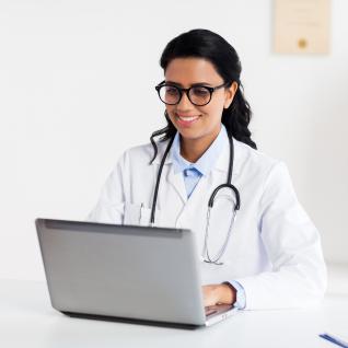 doctora-laptop-web-